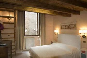 Navona First Rooms